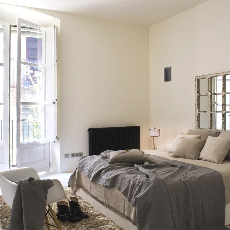 Fascinating Apartment Bedroom Ideas Gray Blanket White Chair Modern Decor Grey Couples Cute
